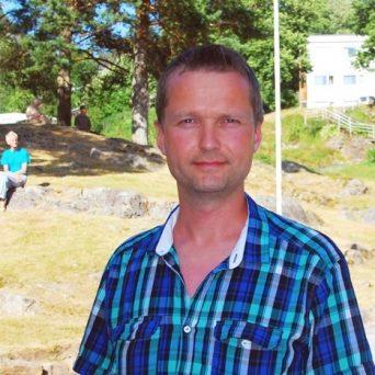 Bente R. Thakre